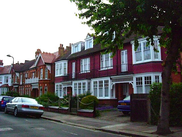 rusthall-avenue-chiswick-w4-© Phillip Perry
